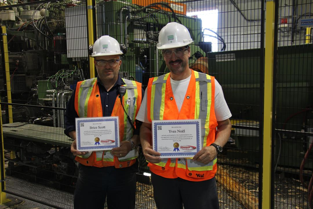 From the left to the right : Brice Scott, maintenance supervisor, Yves Noël, maintenance planner, Fornebu Lumber inc., 2015